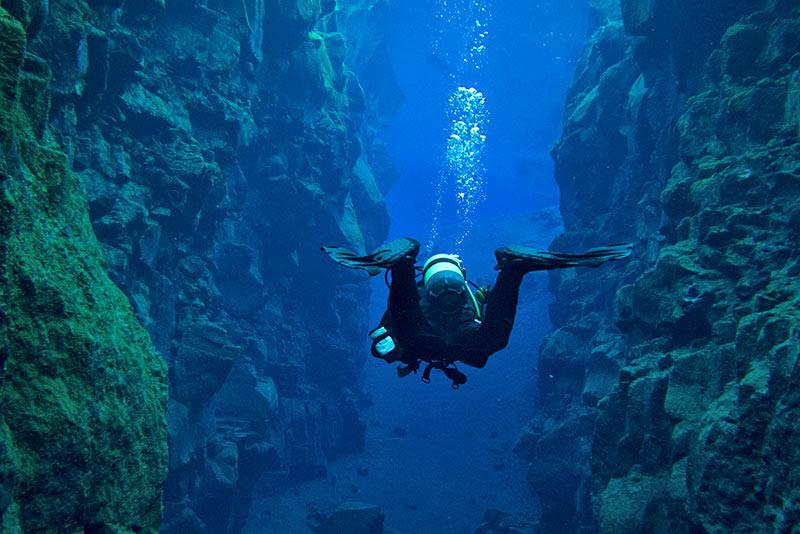 Silfrasprickan på Island - dyka och snorkla